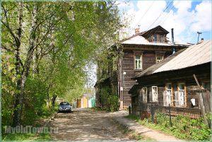 Старый деревянный дом на улице Большие Овраги. Нижний Новгород