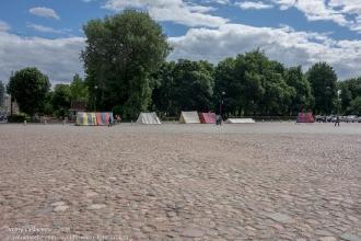 Фото Выборга. Рыночная площадь. Булыжная мостовая