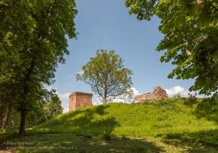 Руины замка Грос Вонсдорф. Курортное. Калининградская область
