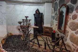 Янтарный замок. Зал викингов. Чернокнижник