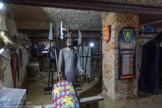 Рыцарский зал. Доспехи, оружие. Янтарный замок Калининградская область