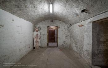 Янтарный замок. Подвал