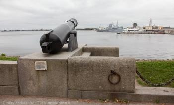 Мемориальное орудие полуденного выстрела. Кронштадт. Фото
