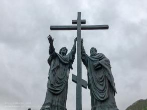 Фотография памятника святым апостолам Петру и Павлу. Петропавловск-Камчатский