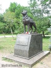 Памятник собакам - истребителям танков. Волгоград