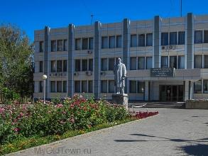 Памятники Ленину