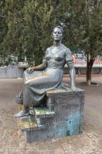 Ейск. Памятник Нонне Мордюковой