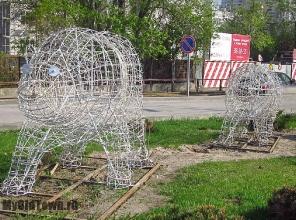Сквер на Бакинской. Медведи. Весна 2015 года. Фото
