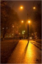 Дорога к кинотеатру Мир. Вечернее фото Автозаводского парка. Нижний Новгород