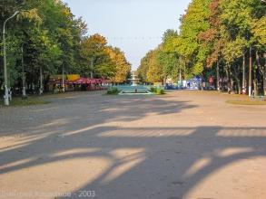 Автозаводский парк. У главного входа. Большой фонтан