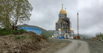 Морской собор в Петропавловске-Камчатском. Вид от ворот
