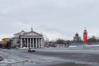 Площадь Павших Борцов. Здание НЭТ. Февраль 2017 года