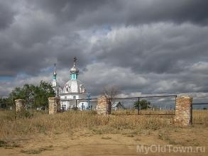 Церковь Петра и Павла в селе Черный Яр. Фото