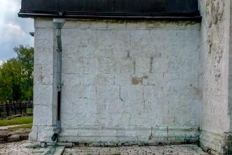 Георгиевский собор в Юрьеве-Польском. Вход. Вид сбоку