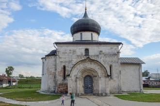 Георгиевский собор в Юрьев-Польском. Северный портал
