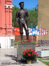 Мемориально-исторический музей. Фото памятника Константину Недорубову. Открыт 21 мая 2015 года