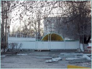 Поселок завода им. Петрова. Старая танцплощадка