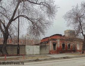 Улица Невская дом 1 и дом 3. Вид с улицы Болонина. Фото Волгограда