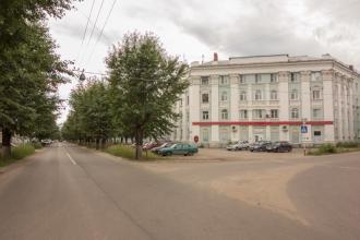 Проспект Дзержинского, дом 1. Перекресток с ул. Гагарина