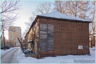 Во дворе дома 11 по улице Профинтерна. Нижний Новгород