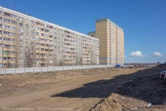 Старый 9-этажный дом и комплекс Волжские огни. Фото