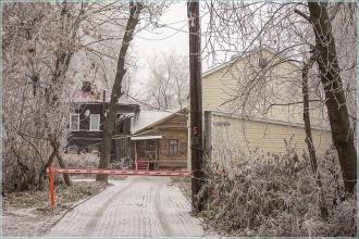 Старые дома на улице Белинского. Во дворе