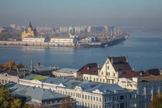 Вид на Стрелку от Нижегородского кремля. Фото