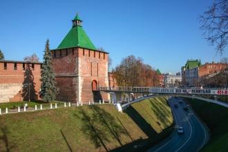 Нижегородский Кремль. Зеленский съезд. Пешеходный мостик. Фото