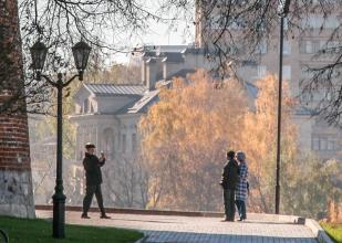 Фотографируются у Нижегородского кремля. Фото