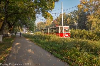 Старый красный трамвай. Фото проспекта Молодежного