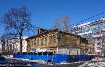Старый нежилой дом 2 по ул. Славянской. Нижний Новгород