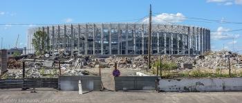 Чтобы построить стадион снесли старые здания