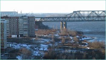 Вид на Волжскую набережную и Борский мост. Старое фото