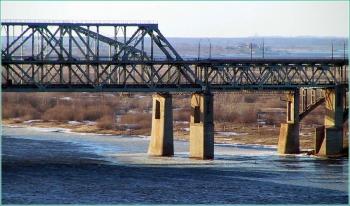 Фрагмент Борского моста. Вид с Волжской набережной. Старое фото