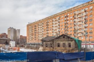 Старый деревянный дом 139 по улице Горького. Фото 2016 года
