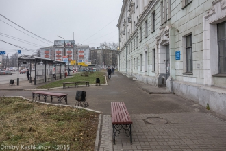 Площадь Лядова. Остановка автобусов у общежития №1