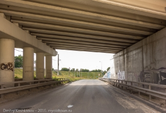 Окский съезд и улица Барминская (на мосту)