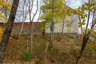 Правдинск. Оборонительный ров и остатки крепостной стены