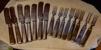Старинные вилки и ножи. Иркутский музей декабристов