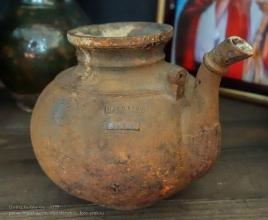 Фотография старинного чайника