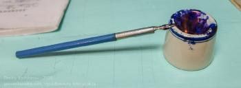 Чернильница и перьевая ручка