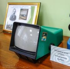 Диафильмоскоп ДЭФИ со встроенным экраном